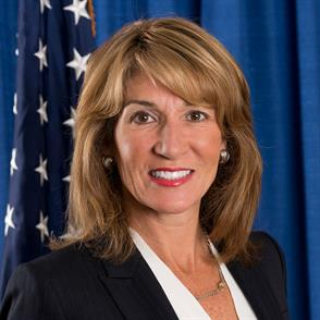 New England Law | Boston to Honor Alumna Karyn Polito '91, Massachusetts Lt. Governor, at the 2017 Dean's Reception
